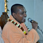 Srila Bhakti Nirmal Acharya Maharaj left Nabadwip last Monday with a group of Western devotees and spent the last week travelling and preaching in towns outside of Kolkata.