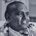 Srila-Acharya-Maharaj-round-smile
